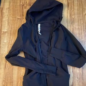 Lululemon beyond the studio reversible hooded 8